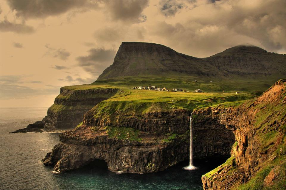 gásadalur-village-faroe-islands10