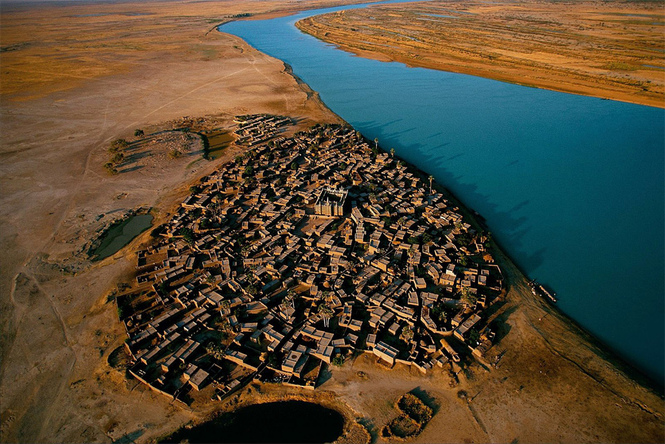 village-on-the-bank-of-the-niger-river-mali2