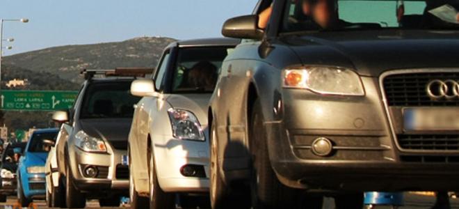 αυξηση στα ηλεκτρικα αυτοκίνητα